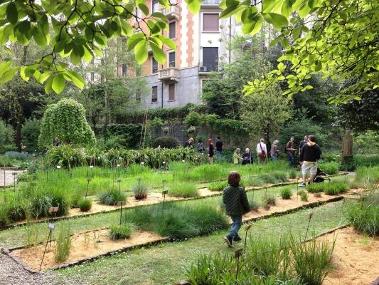 Imagini pentru botanica garden brera